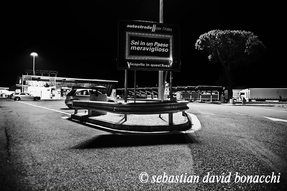 autostrada a1, fotografia surreale, nonluogo, bellezze d'italia