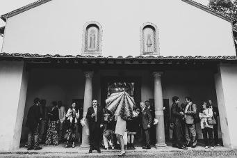 fotografo reportage matrimonio firenze, wedding photojournalist photographer tuscany, matrimonio stile reportage, getting married in tuscany, wedding ceremony, panorama chiesa santa maria a petroio sovigliana vinci, church overview