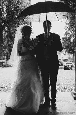 fotografo reportage matrimonio firenze, wedding photojournalist photographer tuscany, matrimonio stile reportage, getting married in tuscany, wedding ceremony, padre della sposa, rain, pioggia, bride's father