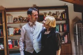 fotografo reportage matrimonio firenze, wedding photojournalist photographer tuscany, matrimonio stile reportage, getting married in tuscany, groom preparations, groom's mother