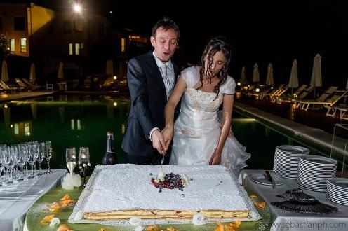 fotografo reportage matrimonio firenze, wedding photojournalist photographer florence, sposarsi in toscana, getting married in Tuscany, taglio della torta, cake cutting