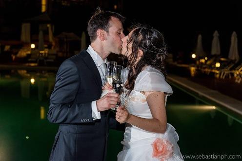 fotografo reportage matrimonio firenze, wedding photojournalist photographer tuscany, sposarsi in toscana, getting married in Tuscany, brindisi, badio, kiss
