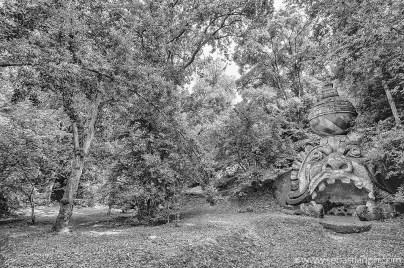 bomarzo, parco dei mostri, sacro bosco di bomarzo, viterbo, opera d'arte, mondo onirico, park of the monsters, sacred grove of bomarzo, garden of bomarzo, italian artwork, dreamlike