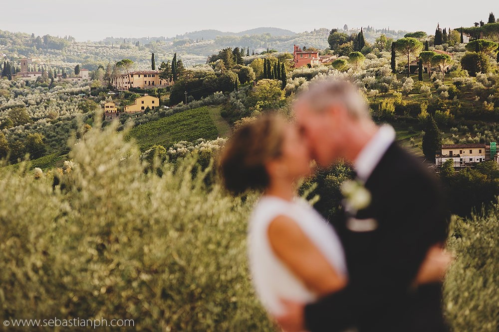 intimate wedding florence countryside, romantic wedding chianti countryside, wedding photographer in florence, romantic wedding photographer in tuscany, getting married in tuscany countryside, fotografo matrimonio firenze